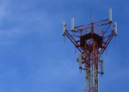 STF julga inconstitucional lei de SP sobre instalação de antenas de telefonia celular