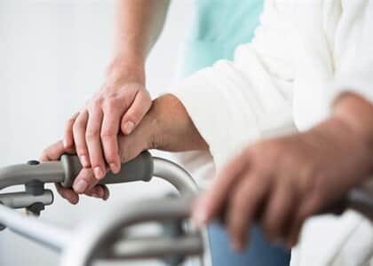Plano de saúde não pode limitar home care que é reflexo do tratamento hospitalar