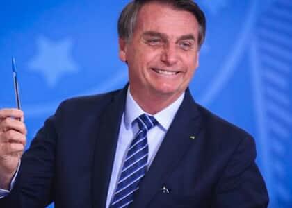 Bolsonaro veta projeto de incentivo a construção de cinemas