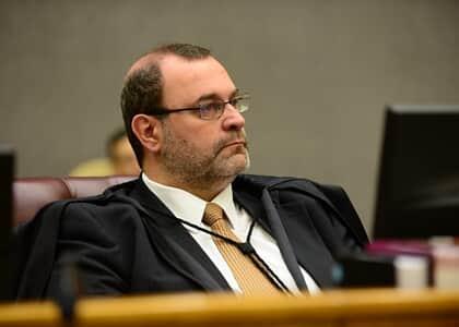 Ministro Sebastião garante domiciliar a presos do semiaberto em MG