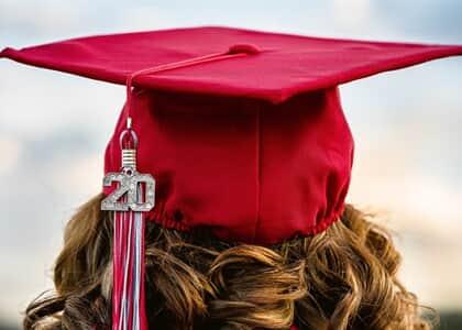 Aluna não aprovada em disciplina após erro no sistema poderá colar grau