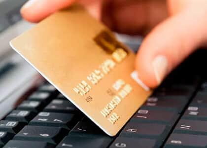 Banco consegue afastar danos morais a cliente que foi negativada em razão de fraude