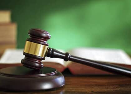Condomínio consegue justiça gratuita diante de precária situação financeira