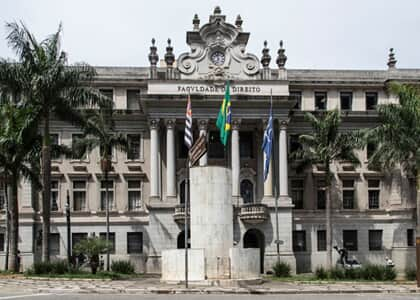 Professores de Direito da USP pedem respeito ao Estado Democrático