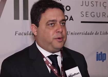 Sociedade brasileira é ainda muito machista, afirma Felipe Santa Cruz