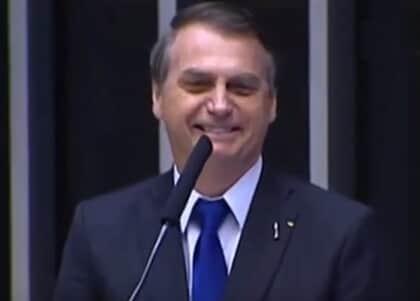 """Bolsonaro diz que indicará ao STF ministro """"terrivelmente evangélico"""""""