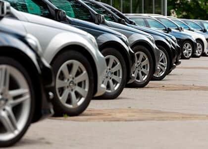 Associação questiona decretos que impedem funcionamento de locadoras de carros por coranavírus