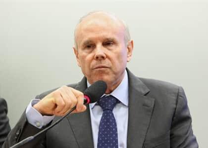 Guido Mantega vira réu por repasse de R$ 8 bi do BNDES à JBS