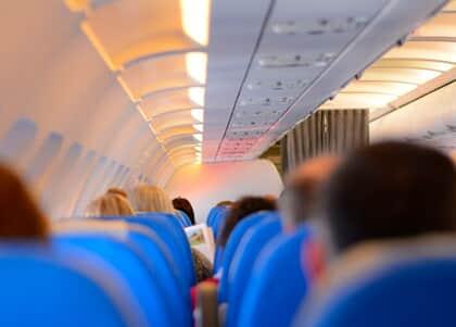 Coronavírus: Cia aérea deve providenciar retorno de brasileiros após cancelar voo