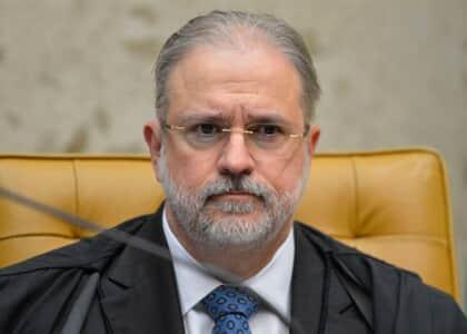 Aras se manifesta contra ação de advogado que foi bloqueado por Bolsonaro em rede social