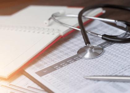 Cláusula que restringe tratamentos é abusiva mesmo se anterior à lei dos planos de saúde
