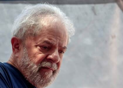 STF suspende transferência de Lula
