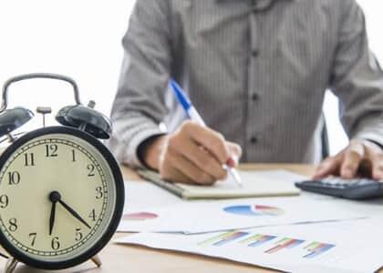 Advogado sem registro de dedicação exclusiva vai receber horas extras