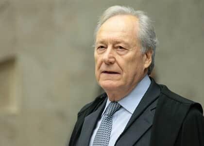 Lewandowski nega trâmite a pedido contra indicação de Eduardo Bolsonaro à embaixada