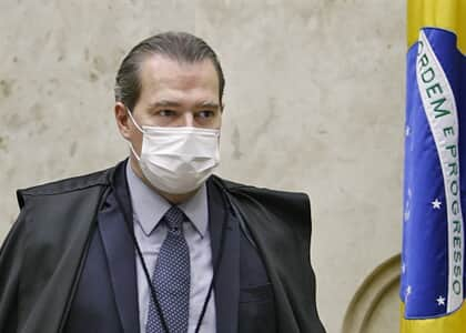 Toffoli passa por cirurgia e apresenta sintomas do coronavírus