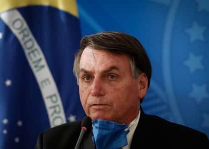 Bolsonaro inclui imprensa em lista de serviços essenciais
