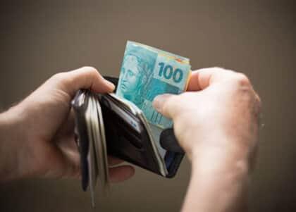 Beneficiário da justiça gratuita terá sucumbência descontada de crédito trabalhista